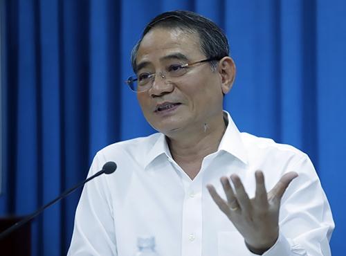 Bí thư Thành uỷ Đà Nẵng Trương Quang Nghĩa tại buổi nói chuyện với CLB Thái Phiên. Ảnh: Nguyễn Đông.