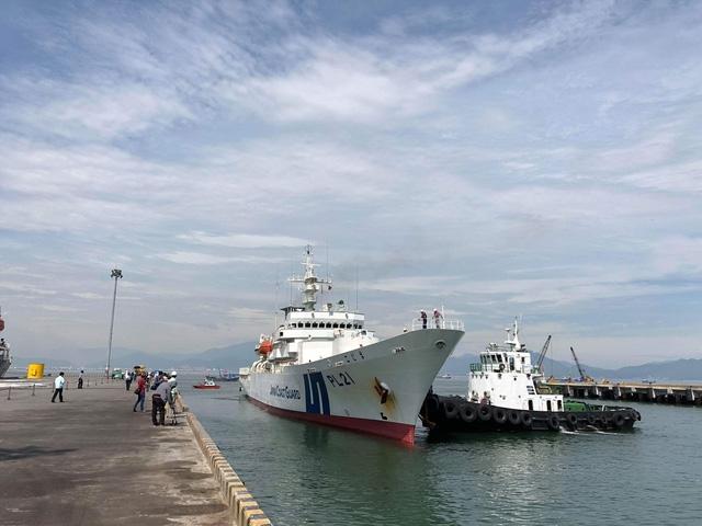 Tàu huấn luyện Kojima của Lực lượng Bảo vệ bờ biển Nhật Bản dài 115m, rộng 14m, tải trọng khoảng 3000 tấn