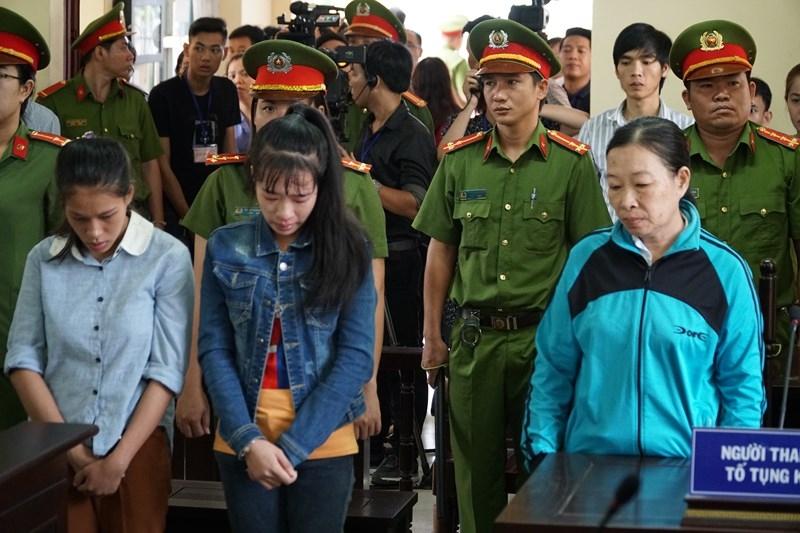3 bảo mẫu hành hạ trẻ bị đề nghị mức án cao nhất đến 3 năm tù - ảnh 2