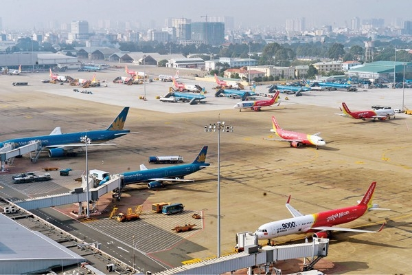 Chính phủ hối thúc mở rộng sân bay Tân Sơn Nhất từ đất quốc phòng