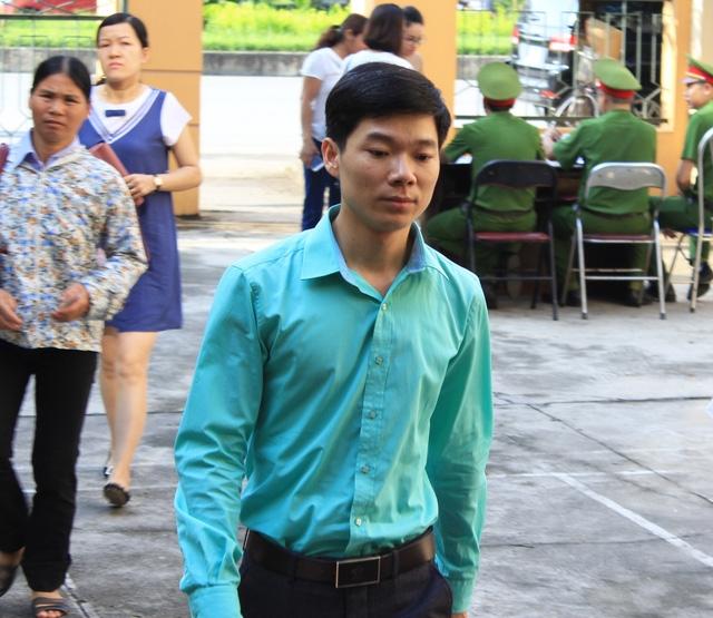 Bác sĩ Hoàng Công Lương (Ảnh: Trần Thanh).