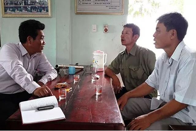 Cán bộ thôn 1 và lãnh đạo xã Quảng Khê, huyện Quảng Xương (Thanh Hóa) trao đổi về công tác xây dựng nông thôn mới tại địa phương. Ảnh: Báo Nhân dân