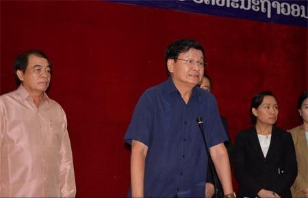 Thủ tướng Lào Thongloun Sisoulith phát biểu trong chuyến thăm tới Bộ Lao động và Phúc lợi Xã hội (Ảnh: Vientiane Times)