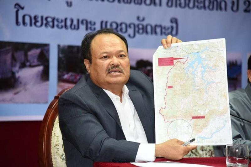 Bộ trưởng Bộ Năng lượng và Mỏ của Lào Khammany Inthirath trong cuộc họp báo ngày 25-7, nhận định đập bị vỡ là do xây dựng không đúng chuẩn. Ảnh: KPL