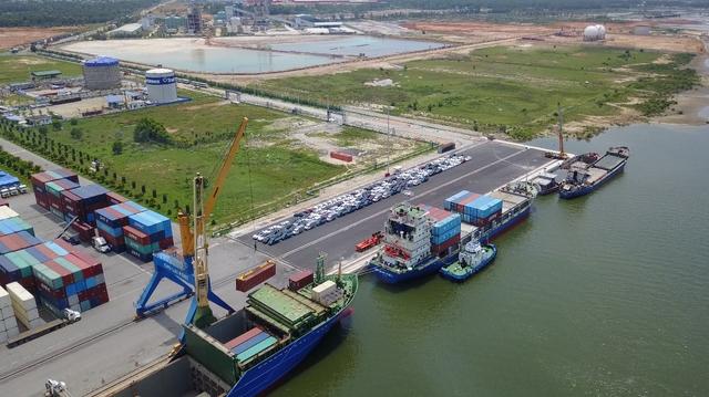 Cụm cảng Chu Lai, Kỳ Hà ở khu kinh tế mở Chu Lai. Tỉnh Quảng Nam đề nghị nâng cấp, mở rộng để đón tàu 5 vạn tấn và đổi tên thống nhất thành cảng Chu Lai.