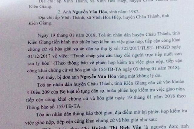 Thông báo hoãn phiên hòa giải do ông Hòa vắng mặt theo Thông báo của TAND huyện Châu Thành. (Ảnh: Thanh Mai)