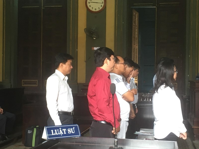 Bị cáo nhận tội không kêu oan, LS từ chối bào chữa - ảnh 1