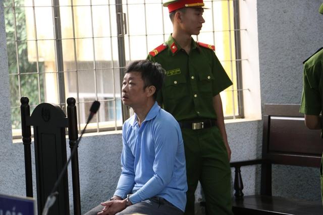 Nguyên Thượng tá Y Tuyến Ksơr  tại phiên tòa