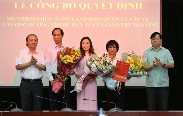 Ban Tuyên giáo Trung ương trao quyết định bổ nhiệm các cán bộ lãnh đạo quản lý cấp vụ và tương đương.
