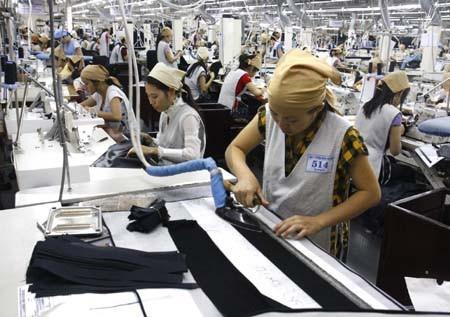 Nhiều doanh nghiệp dệt may có nhu cầu tăng khung giờ làm thêm lên hơn 300 giờ/năm