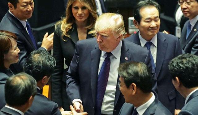 Tổng thống Mỹ Donald Trump phát biểu tại quốc hội Hàn Quốc hồi cuối năm ngoái Ảnh: KYODO