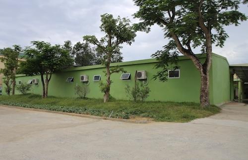 Khuôn viên nhóm trẻ mầm non Tuổi Thơ. Ảnh: Nguyễn Hải.