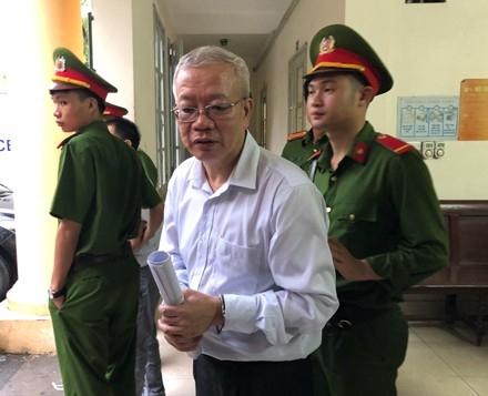 Trần Trung Chí Hiếu bị đề nghị mức án đến 29 năm tù giam.