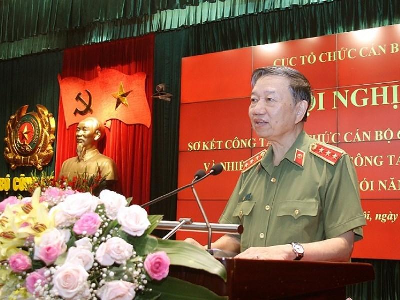 4 tướng công an nghỉ công tác chờ hưởng hưu trí - ảnh 1
