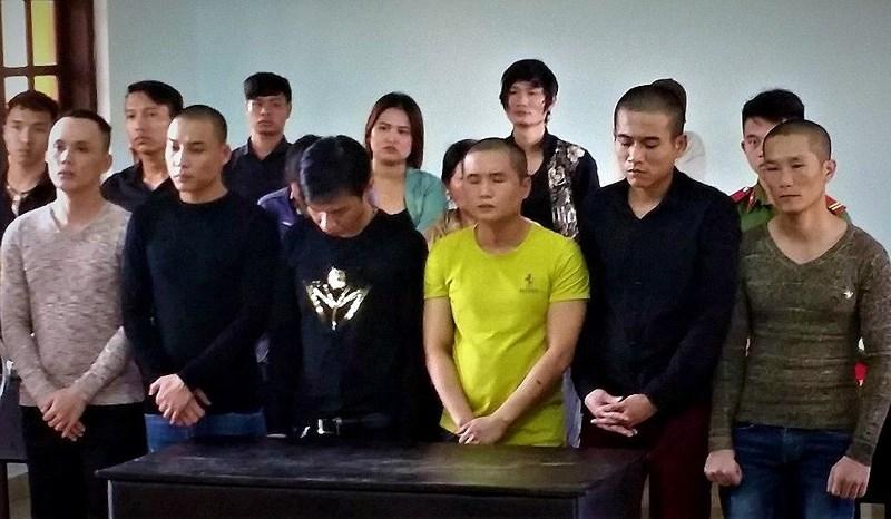 Đòi tiền bảo kê, nhóm thanh niên lãnh 148 tháng tù - ảnh 1