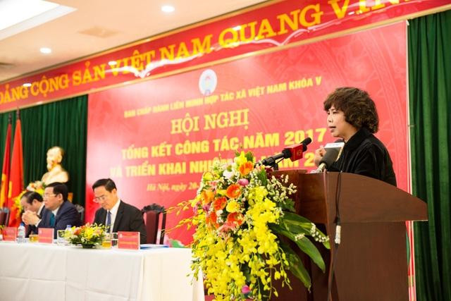 Bà Thái Hương, Phó Chủ tịch Hội đồng Quản trị kiêm Tổng Giám đốc Ngân hàng Bắc Á, nhà sáng lập và tư vấn đầu tư cho tập đoàn TH phát biểu ý kiến tại hội nghị