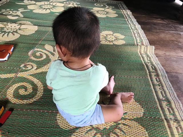 Những đứa trẻ thơ mang trong mình căn bệnh HIV - nỗi đau quá lớn mà cơn bão H để lại nơi bản làng vùng sơn cước.