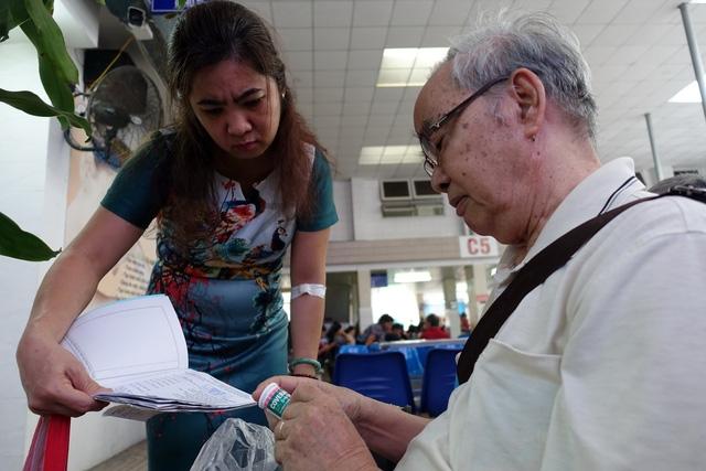 TP.HCM: Người tham gia bảo hiểm y tế vượt chỉ tiêu Chính phủ giao - Ảnh 1.