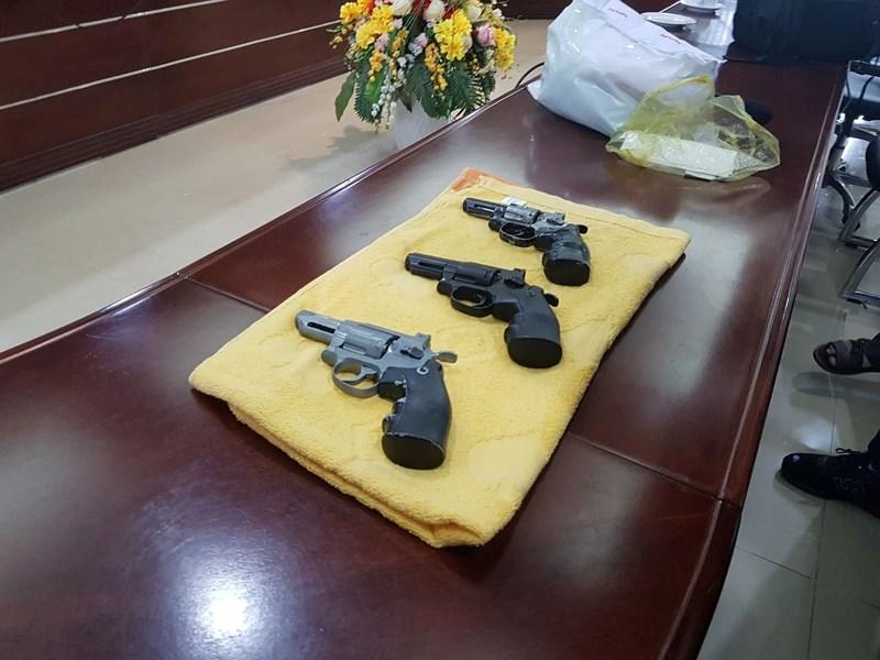 Kẻ cướp ngân hàng luôn có súng, hung khí nguy hiểm - ảnh 2