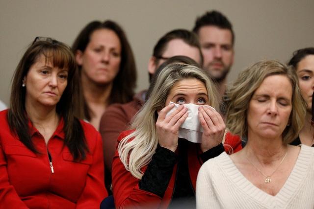 Bác sĩ Mỹ lạm dụng đến 150 nữ VĐV lãnh án tử - Ảnh 2.