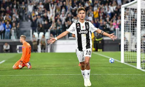 Dybala rực sáng trong ngày Juventus vắng Ronaldo. Lão bà thiết lập khởi đầu tốt nhất lịch sử CLB với chín chiến thắng (bảy ở Serie A, hai ở Champions League).Ảnh: EPA.