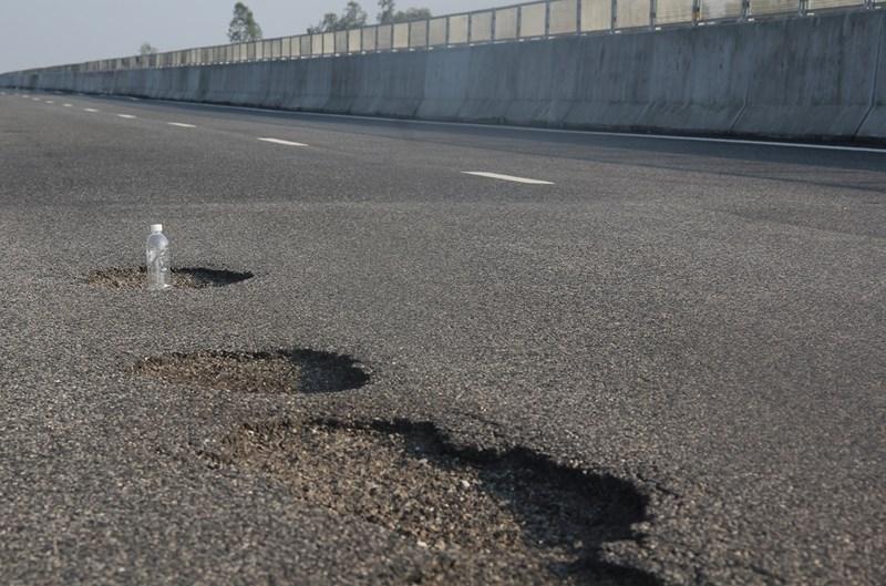 Xem xét dừng thu phí cao tốc Đà Nẵng – Quảng Ngãi vì ổ gà - ảnh 1