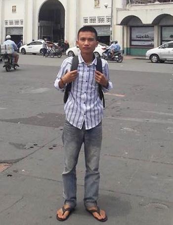 Nam sinh Quang Quốc Việt thời gian ở TP HCM để chờ khám sức khỏe. Ảnh: Tiền phong.