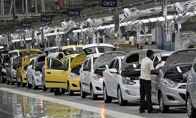 Đặt cọc mua ô tô: Người tiêu dùng đang bị thiệt mà không hay biết - Ảnh 1.