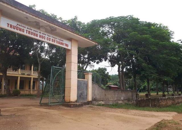 Trường THCS Thành Thọ xuống cấp nghiêm trọng.