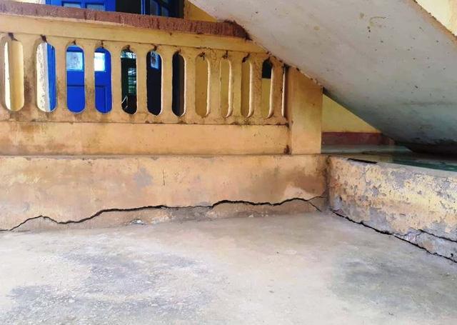 Trong đợt mưa lũ vừa qua, trường THCS Thành Thọ cũng bị ngập nước khiến công trình xuống cấp.
