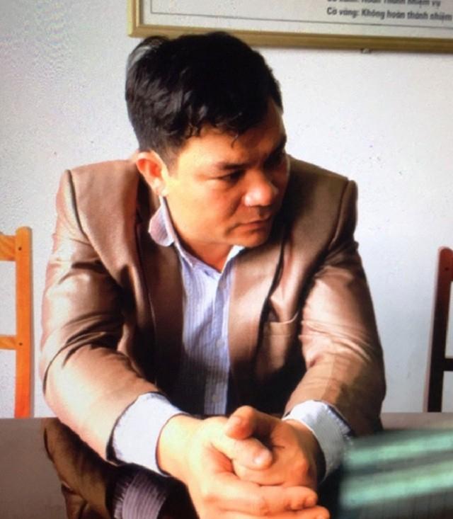 Trong thời gian làm cán bộ địa chính - xây dựng, Nguyễn Ngọc Sơn đã thông báo cho các hộ dân đến nộp tiền làm sổ đỏ với lệ phí cao hơn mức quy định của nhà nước nhằm chiếm đoạt tài sản.