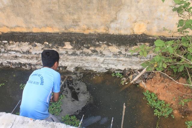 Dân tố doanh nghiệp may mặc gây ô nhiễm ở Thanh Hóa - Ảnh 1.