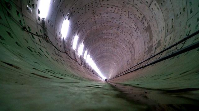 Dự kiến cuối tháng 6/2018 đường hầm thứ 2 sẽ hoàn thành