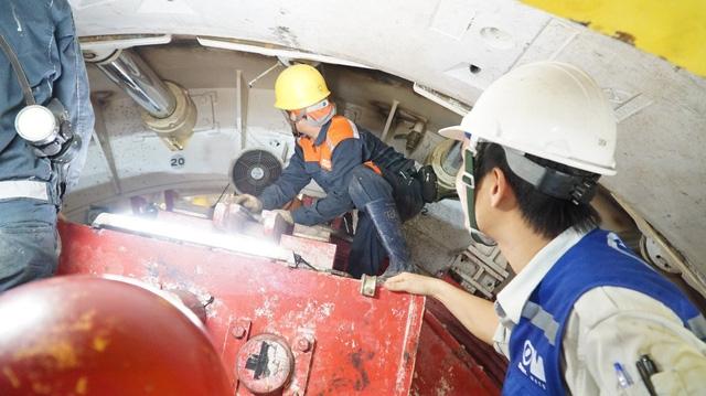 Đội ngũ kỹ thuật người Việt đã quen với thiết bị hiện đại nên việc thi công tiến hành suôn sẻ hơn so với đường hầm đầu tiên