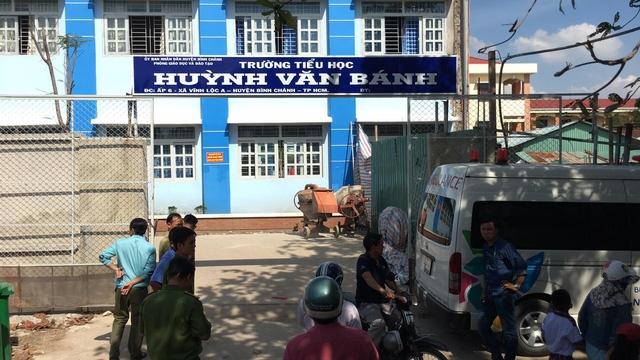 Trường tiểu học Huỳnh Văn Bánh nơi xảy ra sự cố