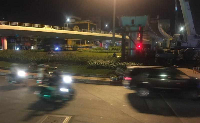 Lao dầm nhánh cuối cùng của cầu vượt ngã 7 Phạm Văn Đồng - ảnh 2