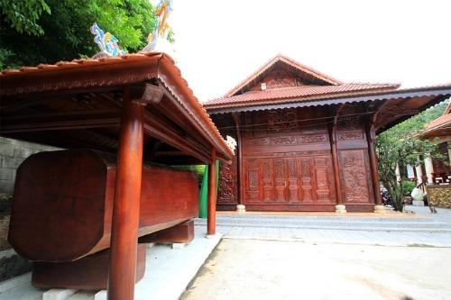 Một góc biệt phủ của ông Quang trước khi bị buộc tháo dỡ.Ảnh: Nguyễn Đông.