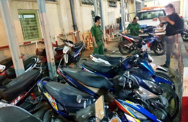 CSGT xử lý gần 800 trường hợp vi phạm khi 'đi bão' cổ vũ U23 VN - Ảnh 5.