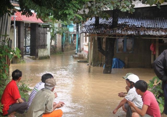Nước ngập khu dân cư Lò Vôi, thôn Trung Tín, xã Phước Lộc, huyện Tuy Phước.