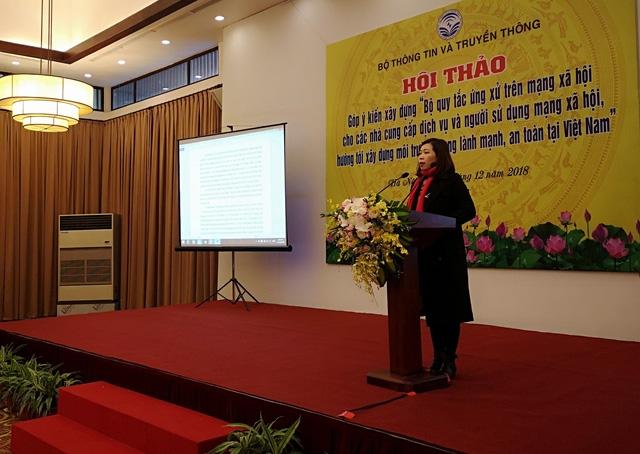 PGS.TS Nguyễn Thị Trường Giang, trưởng khoa PTTH, Học viện Báo chí Tuyên truyền cho rằng Bộ quy tắc ứng xử cần phải hoàn thiện thêm để có thể đi vào thực tiễn.