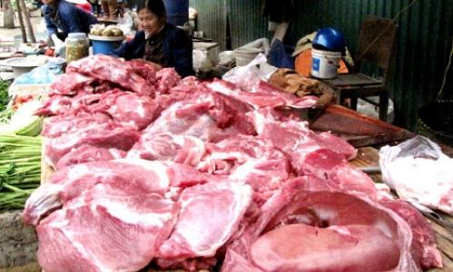 Thịt lợn bán tại chợ Việt Nam. Ảnh: Tuệ Minh.