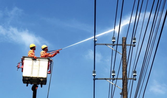 EVNSPC lên kế hoạch đảm bảo điện cho các ngày lễ, tết - Ảnh 1.
