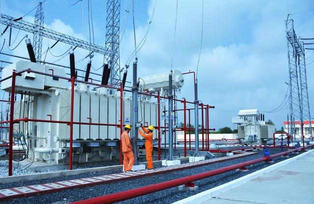 EVNSPC lên kế hoạch đảm bảo điện cho các ngày lễ, tết - Ảnh 2.