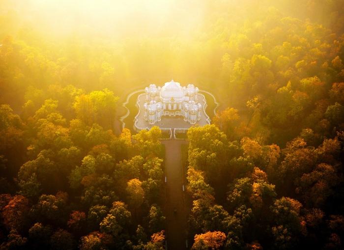 Vẻ đẹp kì ảo của các địa danh nổi tiếng nhìn từ flycam - Ảnh 8.
