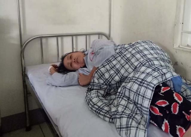 Bà Bùi Thị Vân phải điều trị tại bệnh viện do bị xuất huyết dưới nhện vùng đỉnh phải, tổn thương cũ thùy trái trái, tụ máu phần mềm đỉnh phải.
