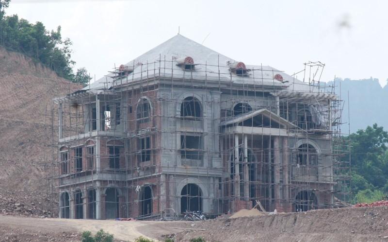 Vi phạm trật tự xây dựng tại KKT Nghi Sơn: Hàng loạt cán bộ công chức bị kỷ luật - Ảnh 1.