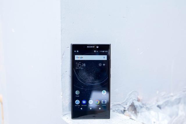 Sony trang bị cho Xperia L2 một màn hình kích thước lớn lên đến 5.5 inch đạt độ phân giải HD.