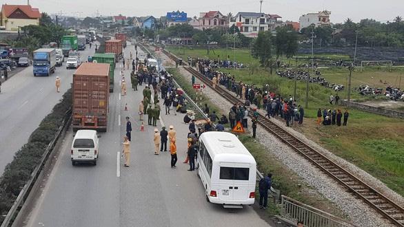 Thu hồi giấy phép kinh doanh công ty có xe tải tông chết 8 người - Ảnh 1.