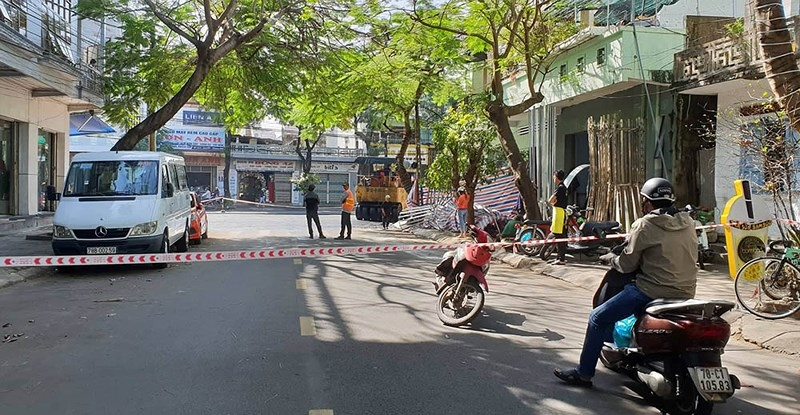 Tuy Hòa: Dân không có lối đi vì đường bị đóng để sửa chữa - ảnh 2