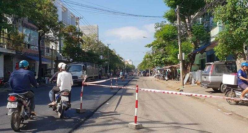 Tuy Hòa: Dân không có lối đi vì đường bị đóng để sửa chữa - ảnh 5